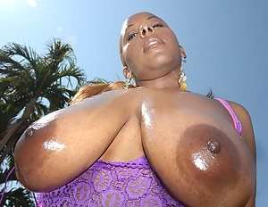 Oiled Moms Porn Pictures