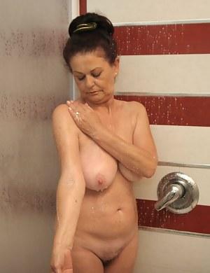 Wet Moms Porn Pictures