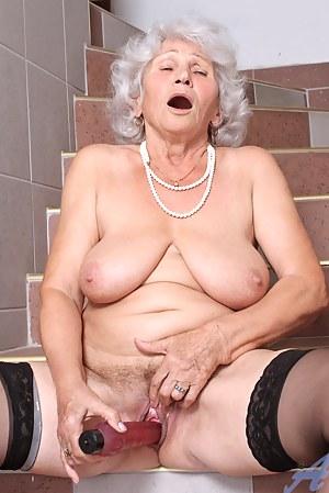 Moms Orgasm Porn Pictures