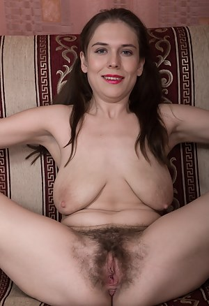 Moms Hairy Pussy Porn Pictures