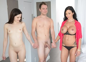 Moms FFM Porn Pictures