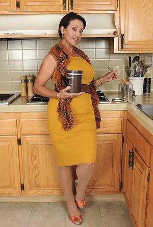 Moms Kitchen Porn Pictures